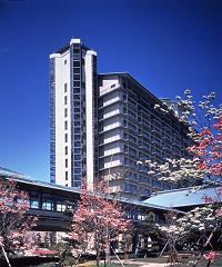 「ホテル花水木」
